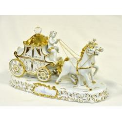 Статуэтка «Экипаж «Барокко» (белая с золотом),размер 45х22 см