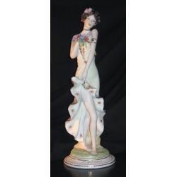 Статуэтка «Дама с цветами» 50см