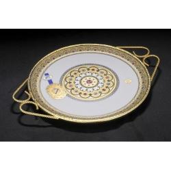 Блюдо фарфоровое с металлом, с декором под золото, d 31