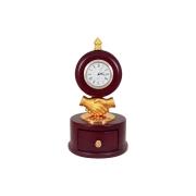 Настольные часы на подставке