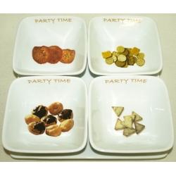 Набор из 4 салатников на фарфоровом блюде салатник - 12 см, блюдо - 25х25 см