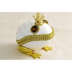 Декоративная шкатулка «Царевна-лягушка» (белая)