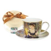 Чашка с блюдцем Дама за столиком, в подарочной упаковке