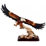 Статуэтка «Орел, летящий в скалах» высота 40см