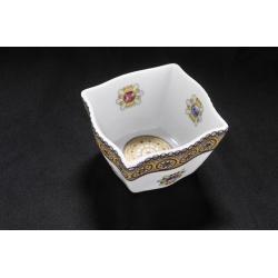Салатник фарфоровый с декором под золото