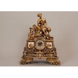 Часы - «Муза» с фарфоровыми вставками 43х33см.