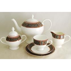 Десертные тарелки, чашки (0,2л), блюдца, сливочник (0,3л), чайник (1,4 л), сахарница (0,35л)