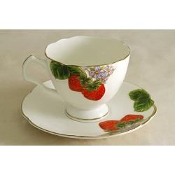 Чашка с блюдцем «Клубника» 0,25 л