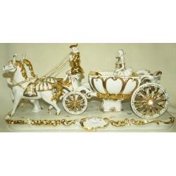 Статуэтка «Карета с двойкой лошадей»