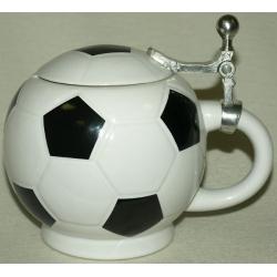 Пинвая керамическая кружка «Футбольный мяч» Объем - 0,75 л.