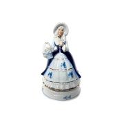 Статуэтка музыкальная Девушка с корзиной цветов