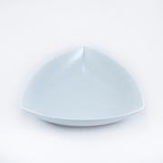 Тарелка треугольная 23 см.