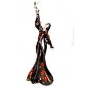 Скульптура «Отпуская голубя» 62см