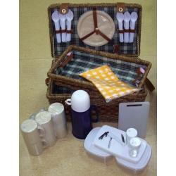 Набор для пикника с подносом на 6 персон (бежево-зеленая клетка)