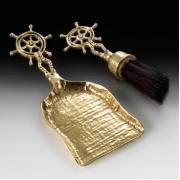 Совок с щеткой для камина «штурвал»