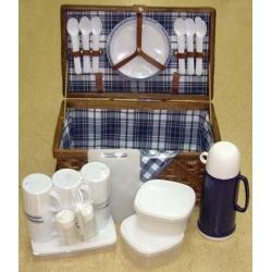 Набор для пикника на 6 персон (сине-белая клетка)