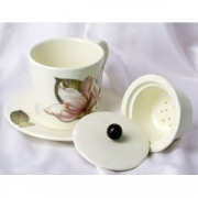 Чашка с блюдцем с керамическим ситечком и дер. крышкой 14см