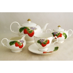 Чайный сервиз из 15 предметов на 6 персон «Клубника»