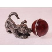 Сувенир «Щенок с мячом»