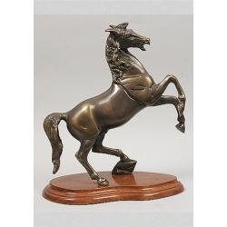 Лошадь на дыбах 31х27см.