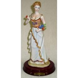 Статуэтка «Девушка с букетом» 33 см