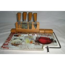 Набор для сыра: разделочная доска (30х22,5 см) и 3 ножа