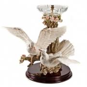 Статуэтка «Голуби с хрустальной вазой» с креплением высота 68см