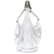 Статуэтка 12,8x9,2x22,8 см Девушка в белом