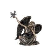 Статуэтка Ангел сидящий с голубем
