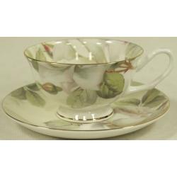 Чашка с блюдцем «Белые розы»