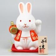 Фигурка фарфоровая 14 см Кролик
