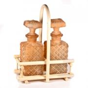 Два штофа на ратановой подставке (терр)