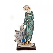 Статуэтка «Дама с павлином«, 39 см