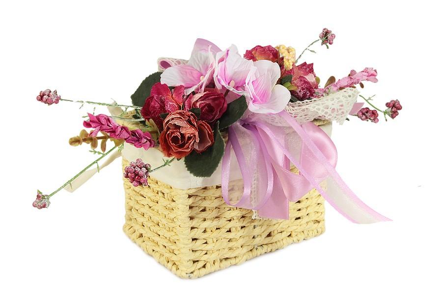 Заказ минут, букеты цветов в сундучке и корзине