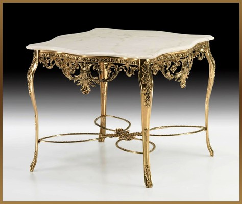 Стол с резной столешн. цвет - золото 78х98х96см (Virtus 1945)